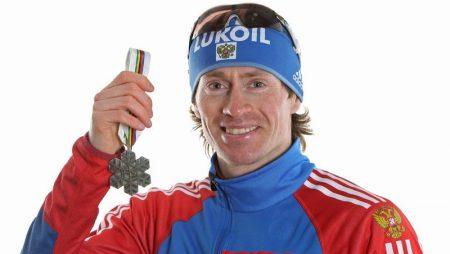 Максим Вылегжанин показал второй результат в гонке преследования. Лыжные гонки
