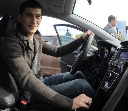 Тарас Степаненко помог детям-беженцам (ФОТО)
